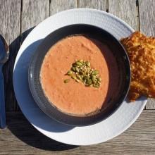 Tomatsoppa med ostbröd